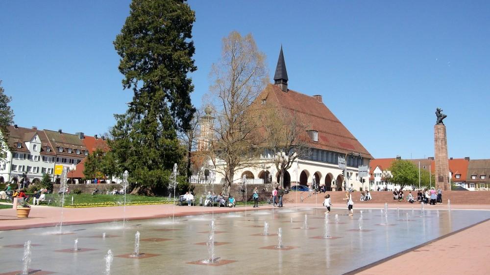 Baden-Wurttemberg-Freudenstadt-don-viajon-plazas-grandes-alemania