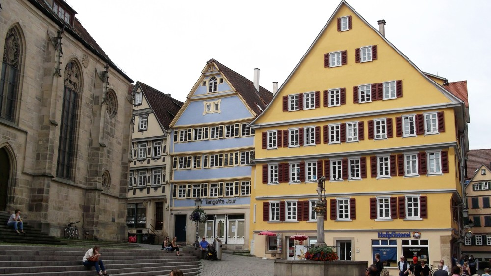 Baden-Wurttemberg-Tubinga-don-viajon-plaza-de-san-jorge-alemania