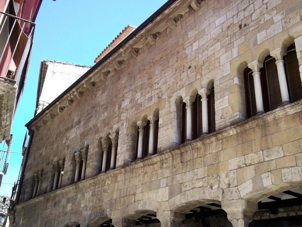 Besalu-arquitectura-medieval-don-viajon-cataluna