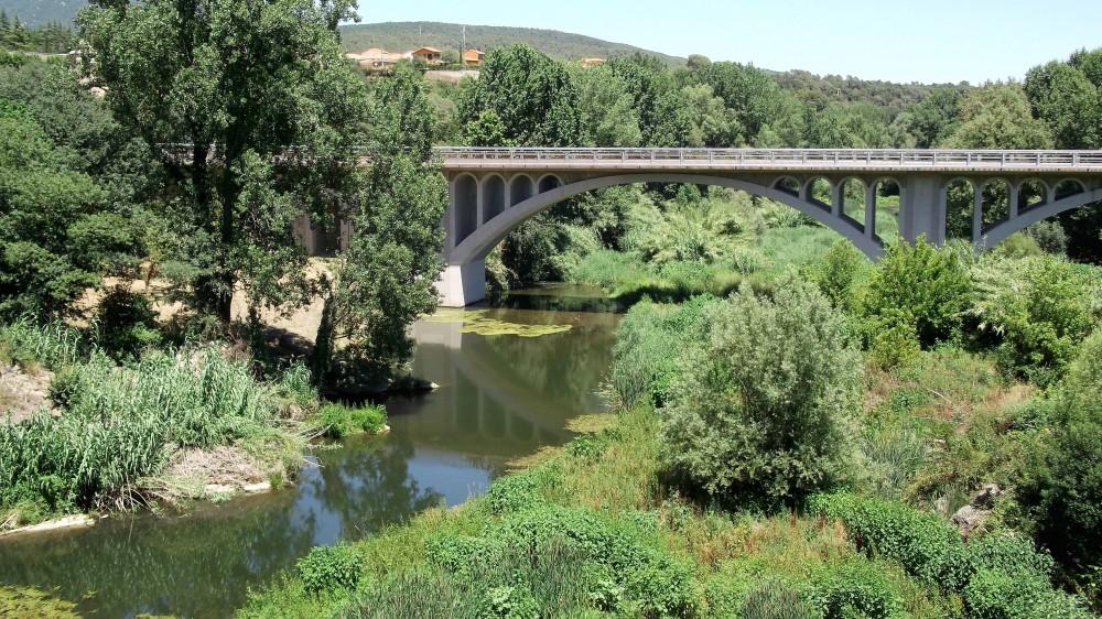 Besalu-rio-fluvia-don-viajon-la-garrocha-espana