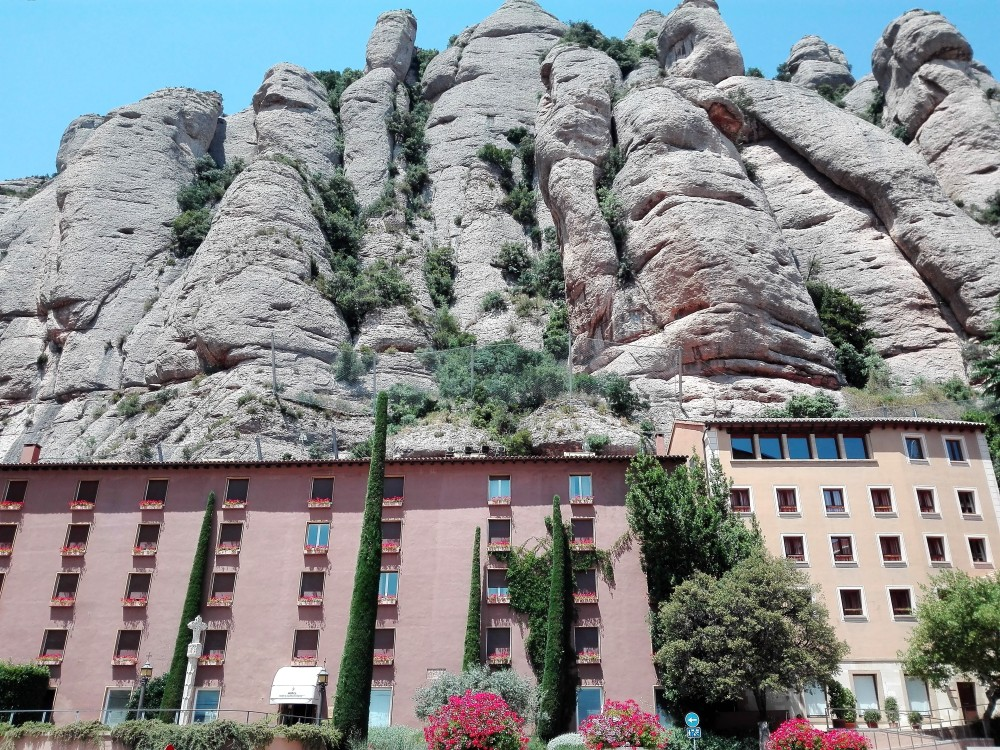 Monasterio-Montserrat-hoteles-don-viajon-catalunya-espana
