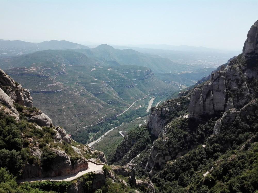 Montserrat-valle-del-Llobregat-don-viajon-espana