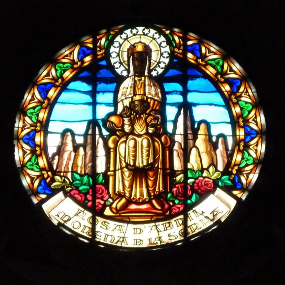 Virgen-de-Montserrat-roseton-santuario-espana-catalunya