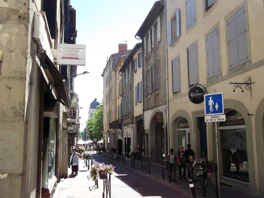 Carcasona-calles-bastida-de-san-luis-donviajon-comercio-francia