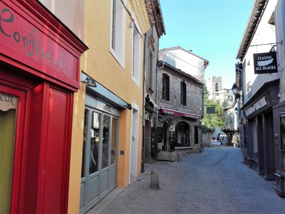 Carcasona-calles-empedradas-donviajon-ciudad-medieval-francia