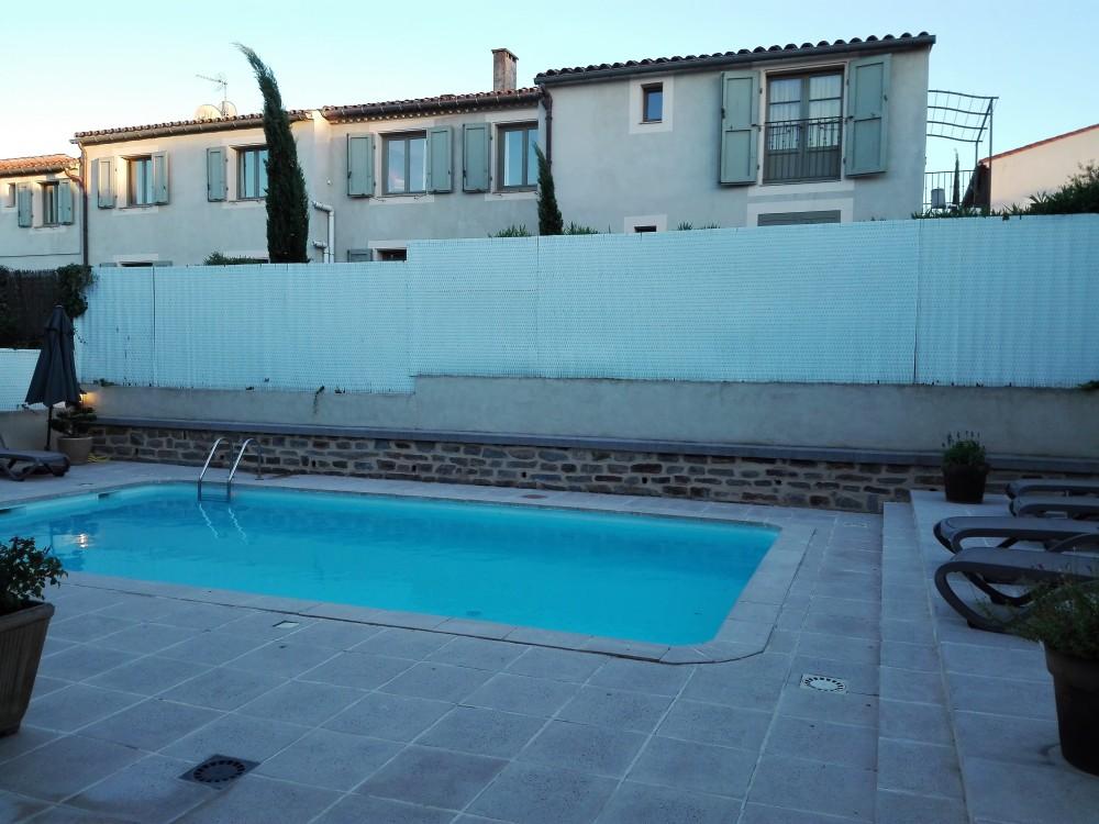 Carcasona-hotel-aragon-donviajon-piscina-calidad-francia