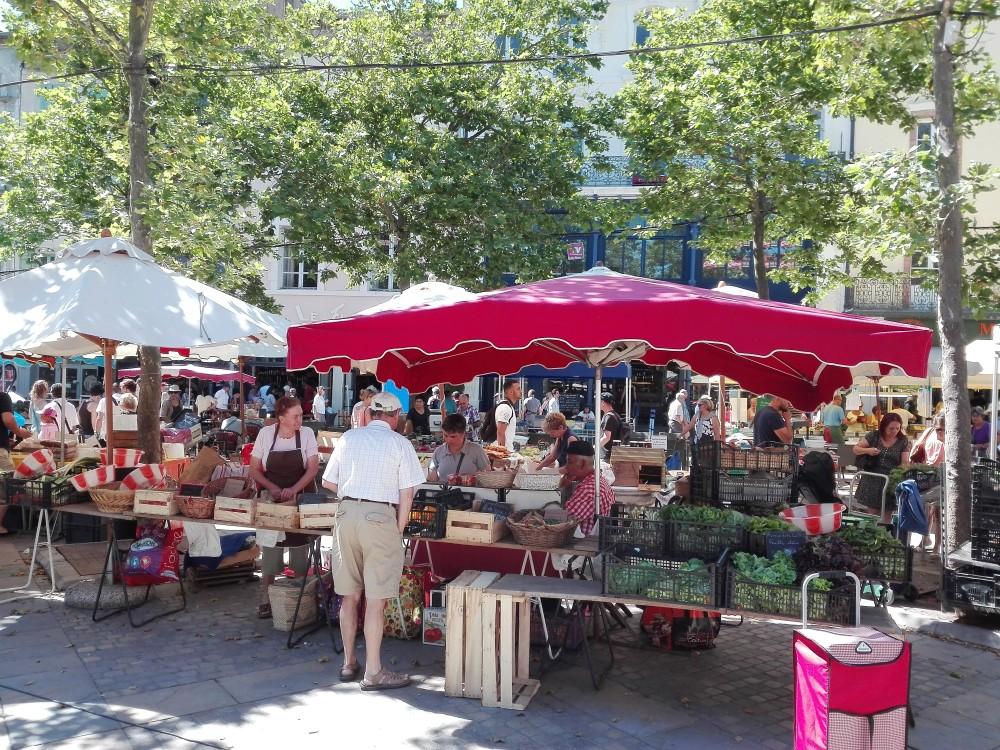 Carcasona-mercados-campesinos-donviajon-plaza-carnot-occitania-francia