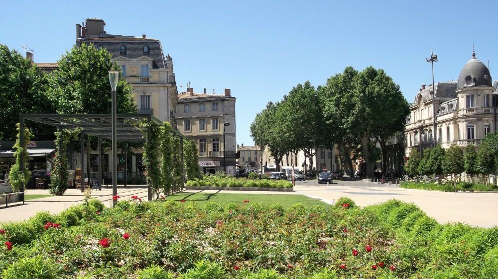 Carcasona-plaza-gambetta-donviajon-parques-arte-occitania-francia