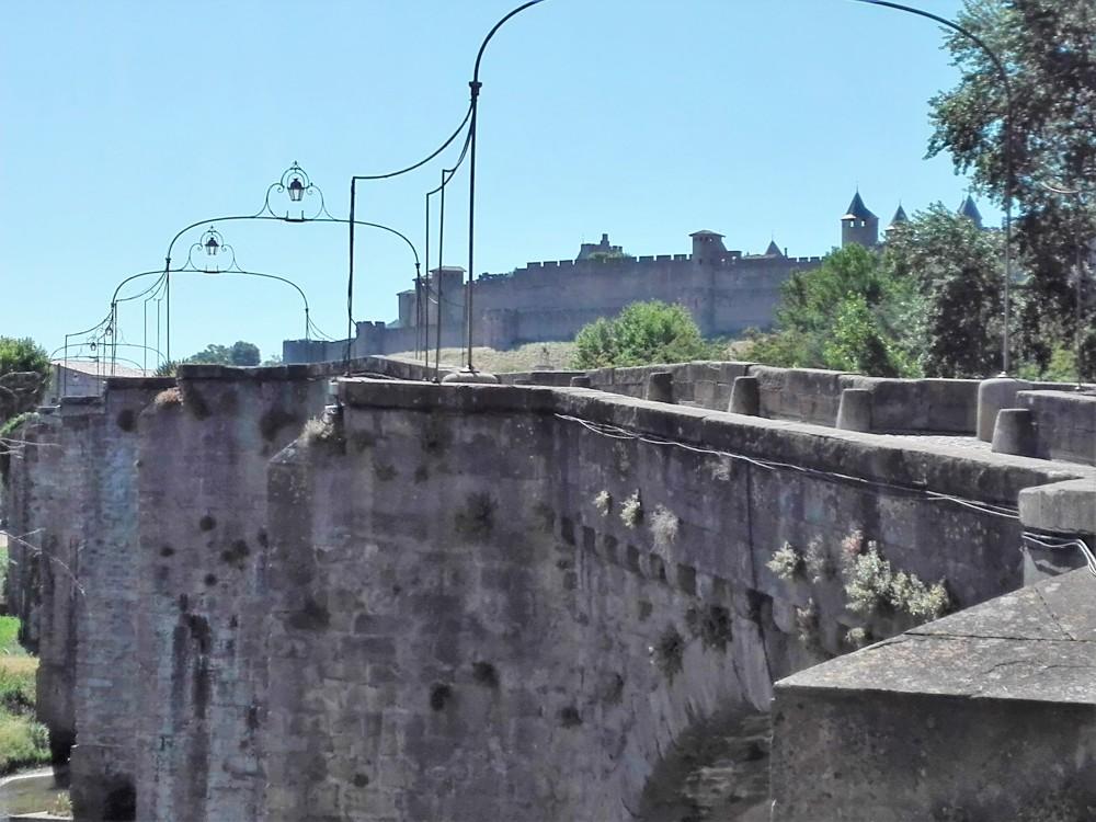 Carcasona-puente-viejon-donviajon-medieval-unesco-francia