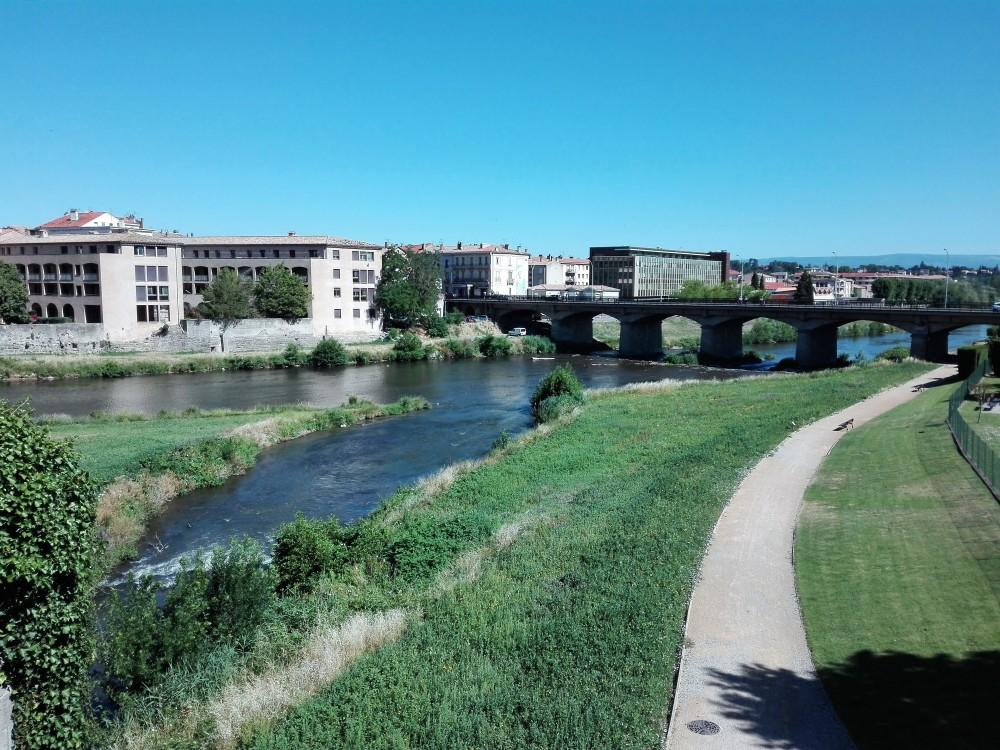 Carcasona-rio-aude-donviajon-naturaleza-ciclismo-senderismo-occitania-francia