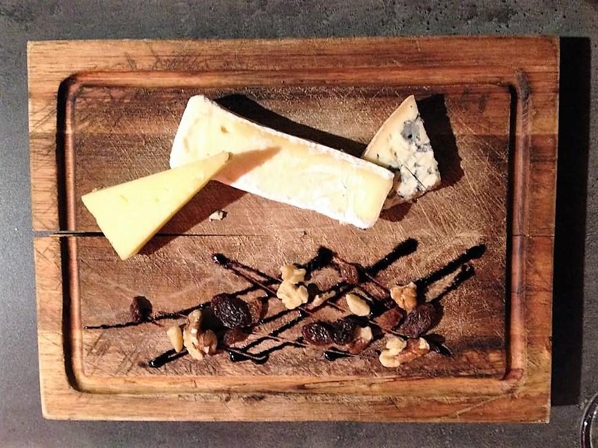 Carcassonne-gastronomia-languedoc-donviajon-quesos-francia