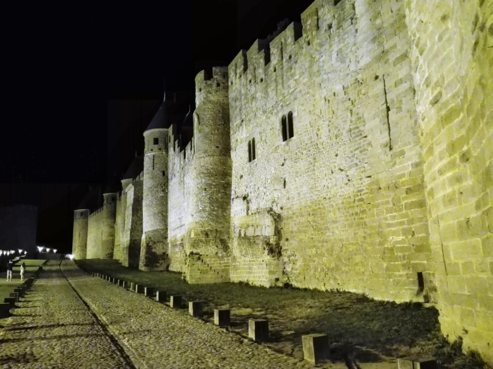 Carcassonne-murallas-medievales-donviajon-turismo-en-espanol-francia
