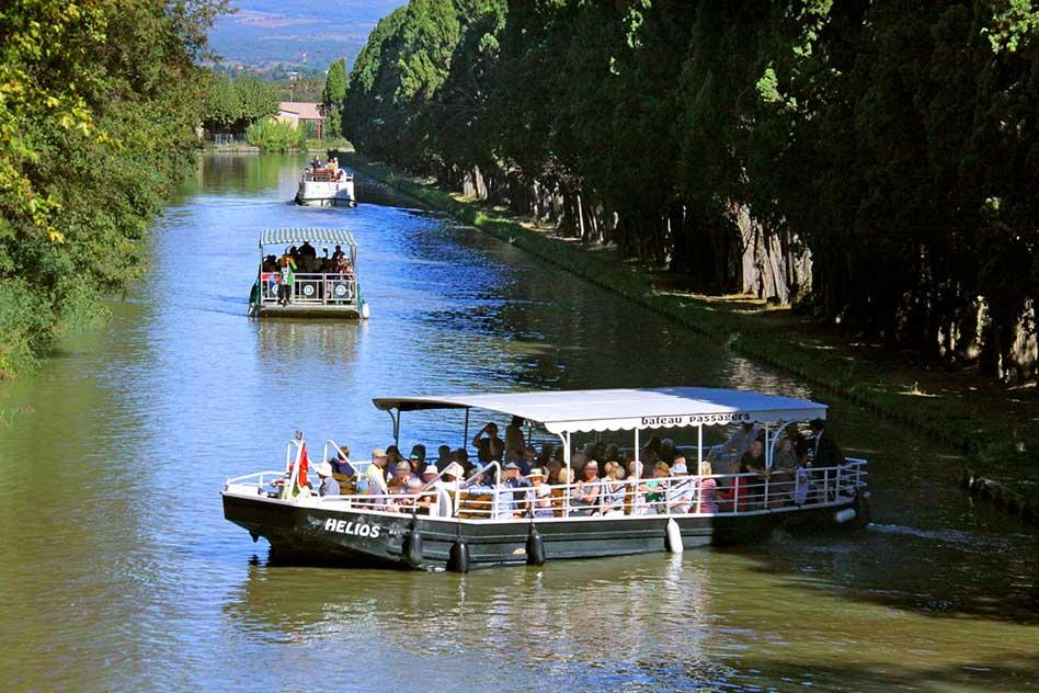 Carcassonne-navigationcroisiere-canal-du-midi-francia