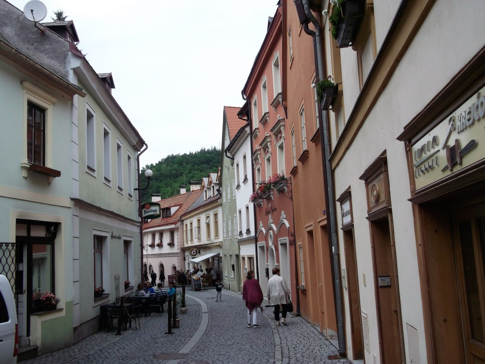 Loket-calles-empedradas-donviajon-arquitectura-republica-checa