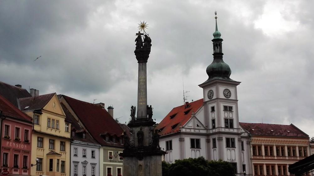 Loket-columna-trinidad-donviajon-arte-arquitectura-republica-checa