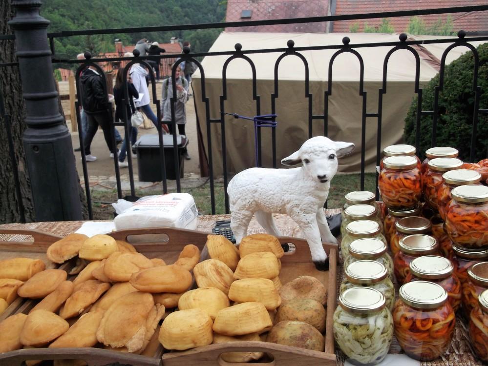 Loket-gastronomia-bohemia-donviajon-quesos-tipicos-chequia