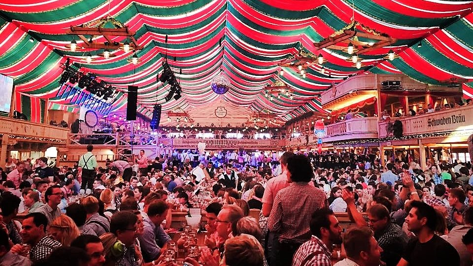 cabanas-alpinas-schwabenbroui-festivales-stuttgart-alemania