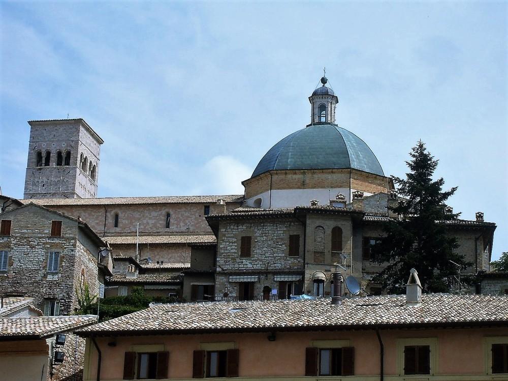 Asis-ciudad-de-santos-catolicos-donviajon-arte-religioso-turismo-espiritual-italia