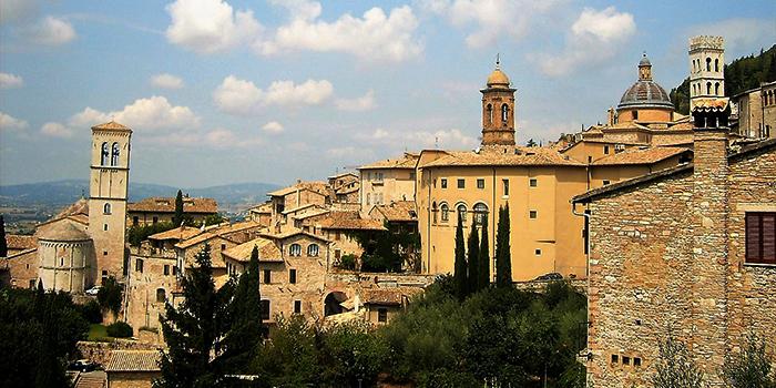 Asis-umbria-perugia-donviajon-cultura-arte-turismo-religioso-italia