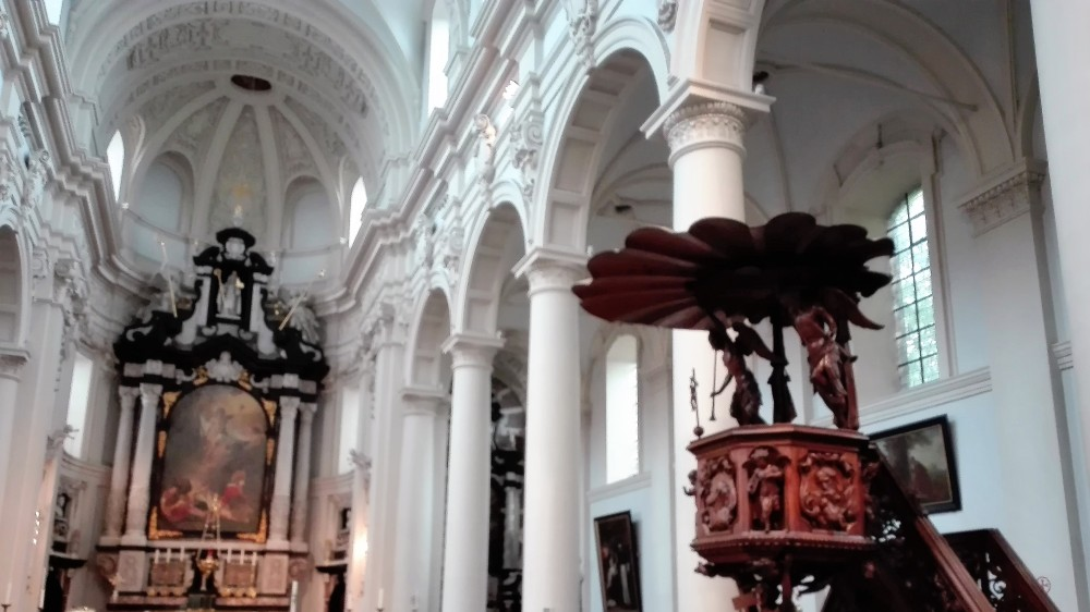 Brujas-arte-religioso-barroco-donviajon-iglesias-catolicas-flandes-belgica
