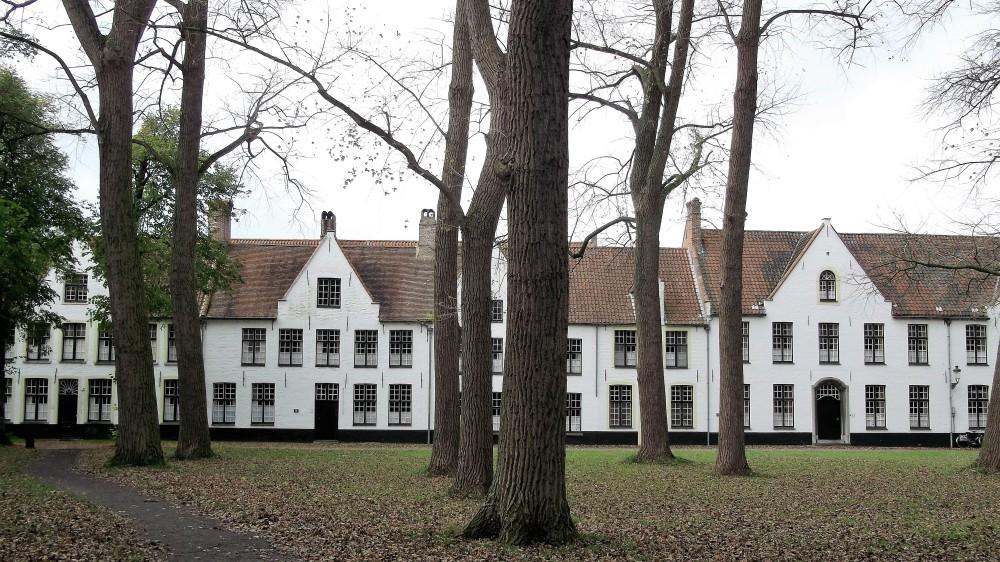 Brujas-beatario-donviajon-patrimonio-de-la-humanidad-ambiente-religioso-flandes-belgica