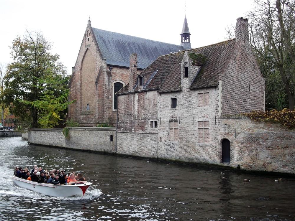 Brujas-beguinaje-donviajon-patrimonio-de-la-humanidad-flandes-belgica