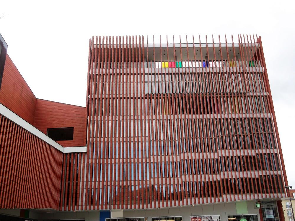 Brujas-conservatorio-municipal-Concertgebouw-donviajon-musica-cultura-flandes-occidental-belgica