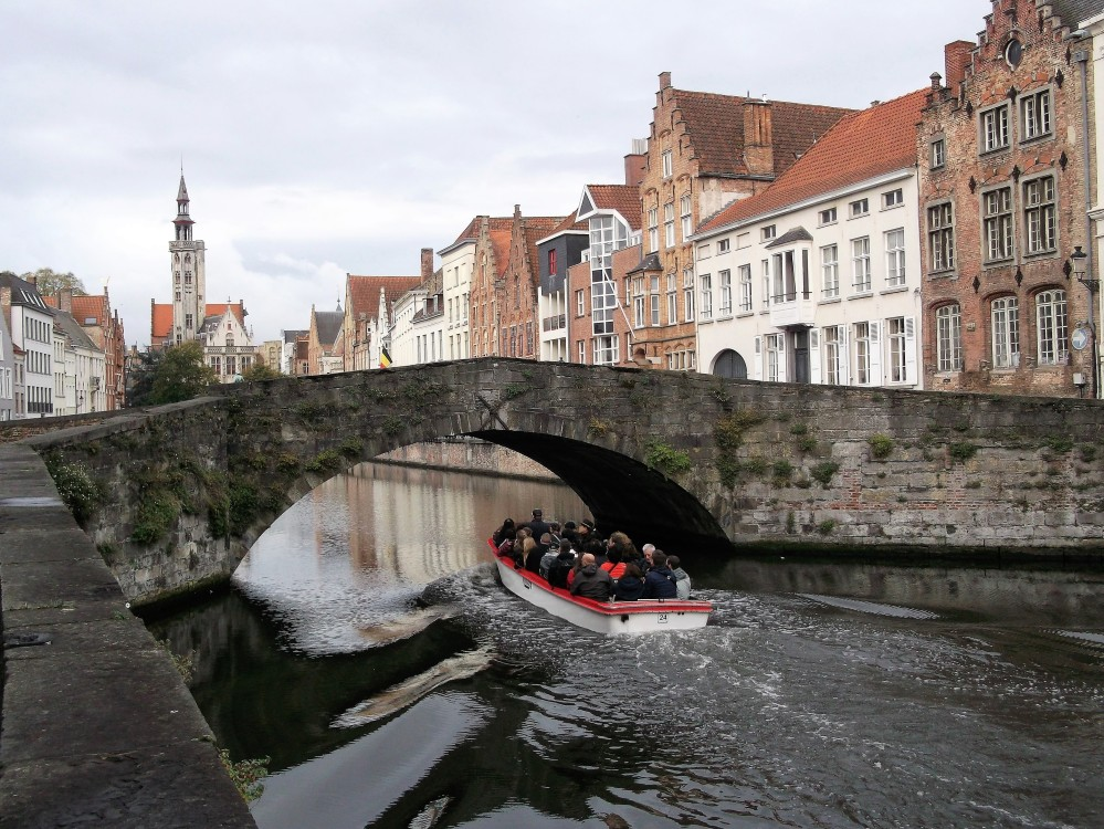 Brujas-flandes-occidental-donviajon-canales-diversion-belgica