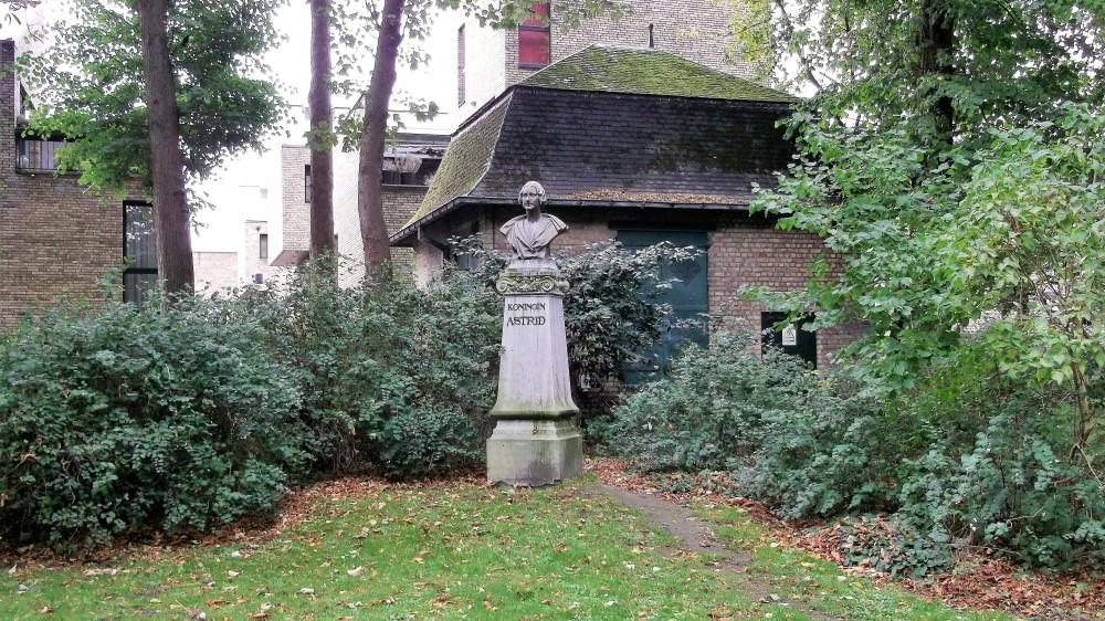 Brujas-parque-de-la-reina-Astrid-donviajon-diversion-paseos-naturaleza-flandes-belgica