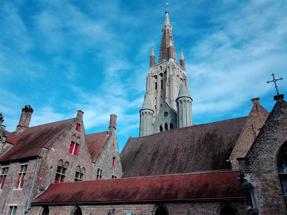 Brujas-torres-goticas-medievales-donviajon-hospital-san-juan-museos-picaso-flandes-belgica