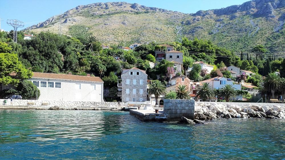 Plat-turismo-aventura-donviajon-naturaleza-playas-costa-de-dalmacia-croacia