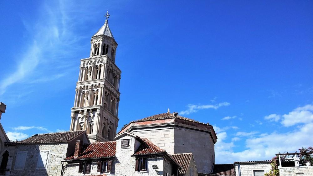 Split-centro-historico-romanico-donviajon-catedral-catolica-de-San-Duje-cultura-arte-religioso-turismo-dalmacia-croacia
