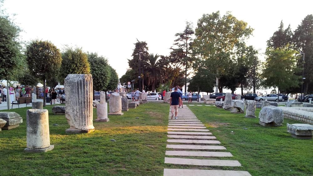 Zadar-parque-arqueologico-ruinas-romanicas-donviajon-arte-romanico-cultura-turismo-dalmacia-croacia