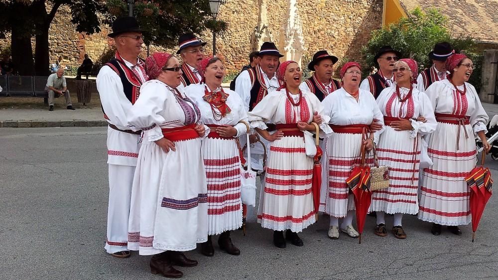 Zagreb-danzas-folkoricas-croacia-donviajon-cultura-tradicion-musica-y-danza-croatas