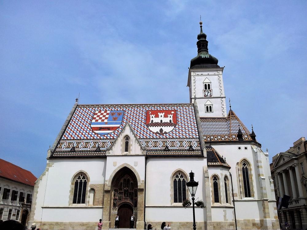 Zagreb-iglesia-de-San-Marcos-donviajon-arquitectura-gotica-religion-cultura-arte-turismo-croacia