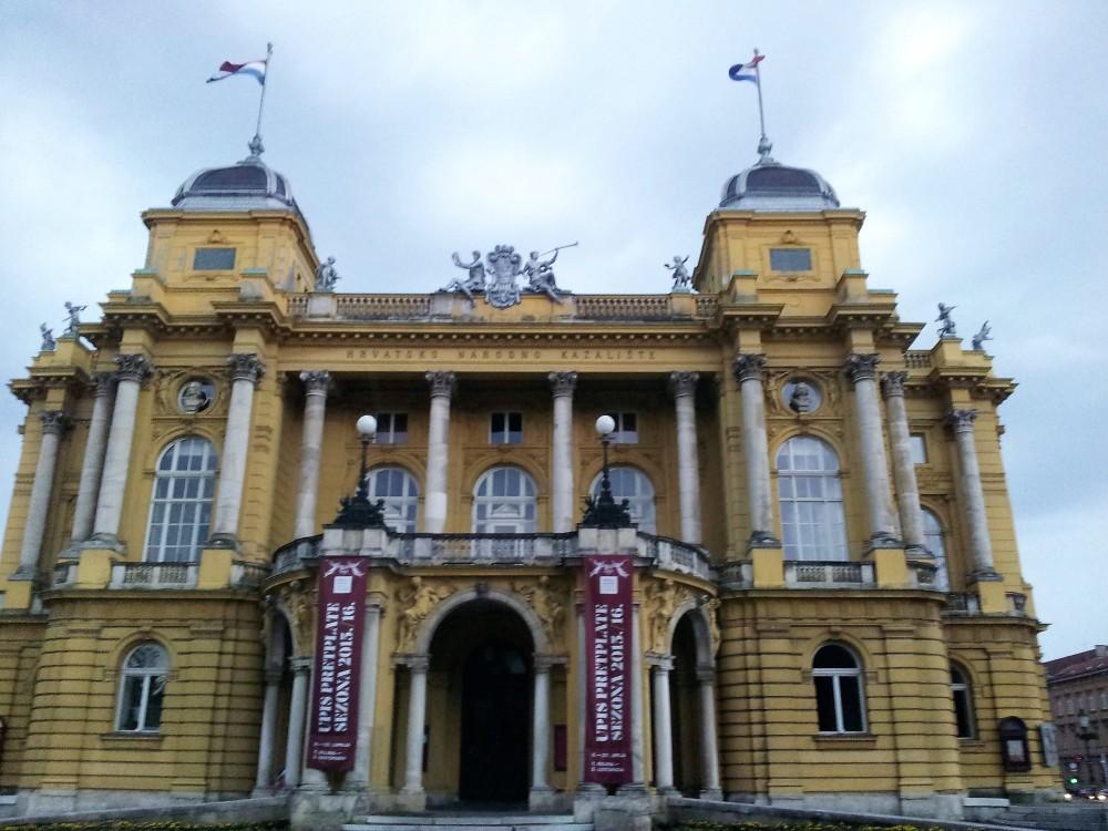 Zagreb-teatro-nacional-de-croacia-donviajon-turismo-cultural-artes-escenicas-croatas