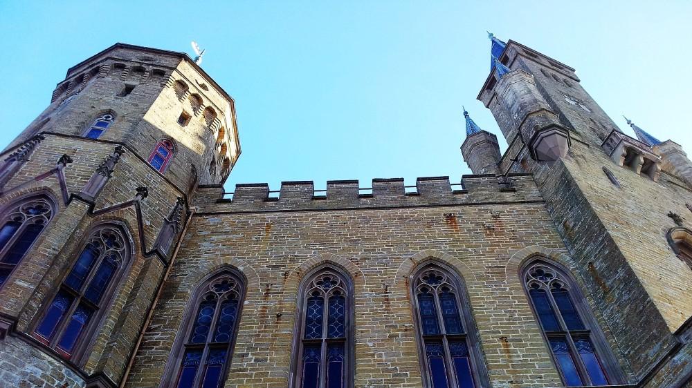 Castillo-de-Hohenzollern-donviajon-arquitectura-gotica-medieval-jura-de-suabia-alemania