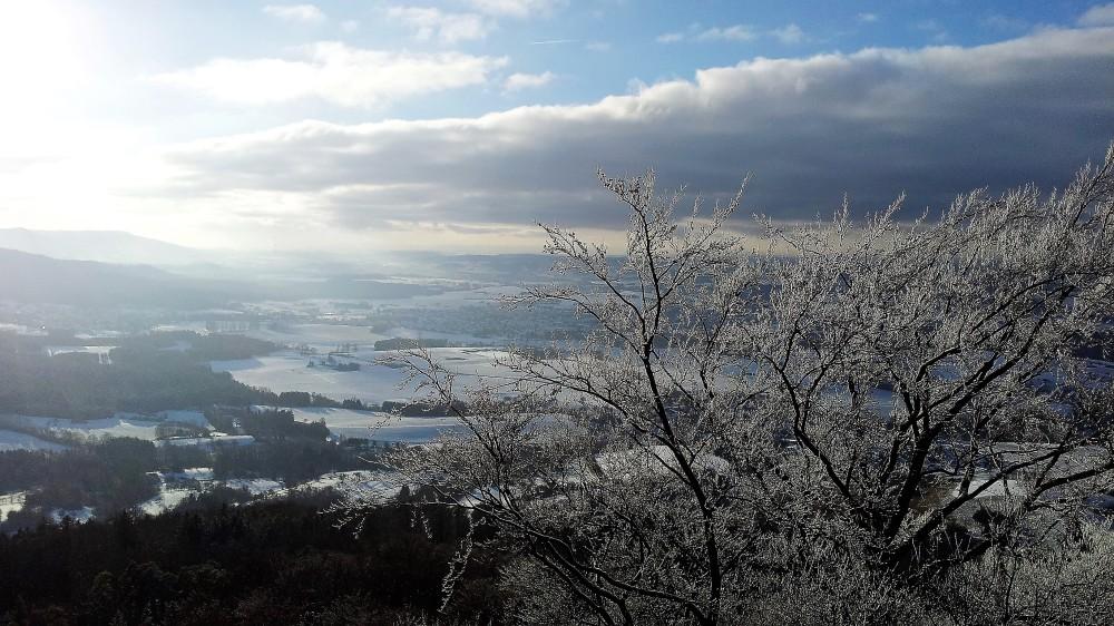 Castillo-de-Hohenzollern-donviajon-invierno-en-la-jura-de-suabia-baden-wurttemberg-turismo-alemania