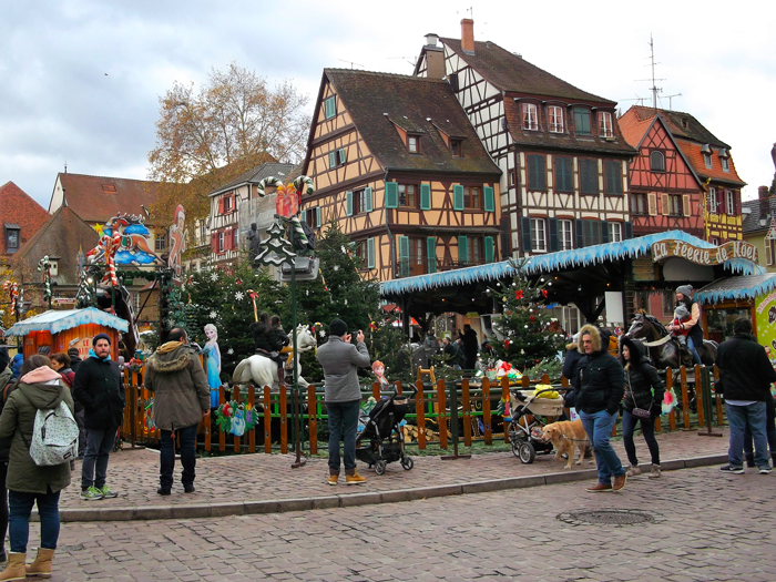 mercado-de-navidad-colma-donviajon-plaza-juana-de-arco-turismo-cultural-alsacia-francia