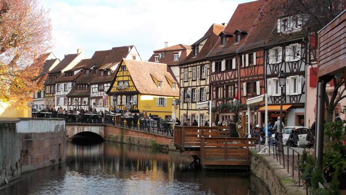 mercado-de-navidad-colmar-donviajon-la-pequena-venecia-paseo-en-bote-turismo-alsacia-francia