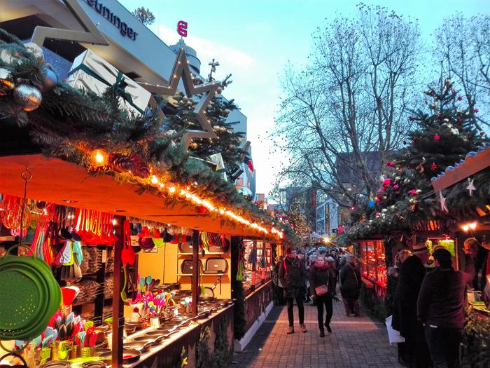 mercado-de-navidad-donviajon-Esslingen-am-Neckar-compras-navidenas-adornos-artesanias-decoraciones-turismo-alemania