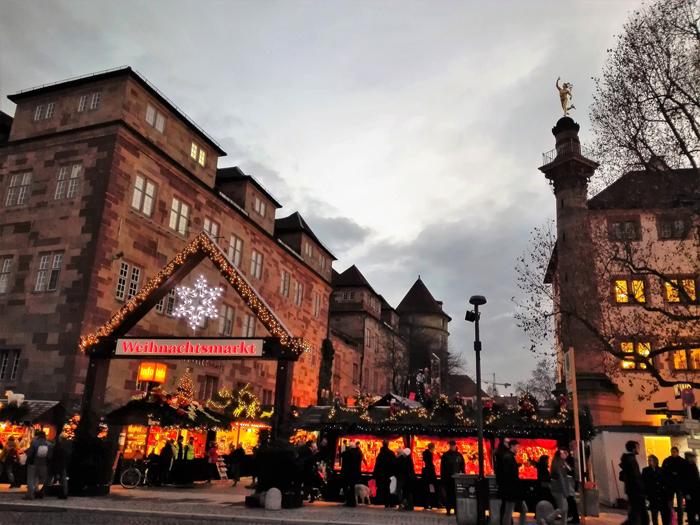 mercado-de-navidad-donviajon-stuttgart-adornos-decoraciones-compras-navidenas-turismo-cultural-alemania