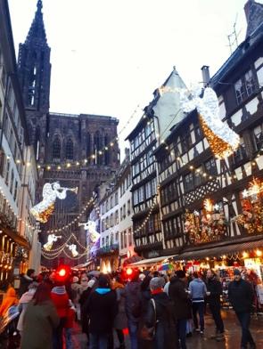 mercado-de-navidad-estrasburgo-donviajon-plaza-de-la-catedral-turismo-alsacia-francia