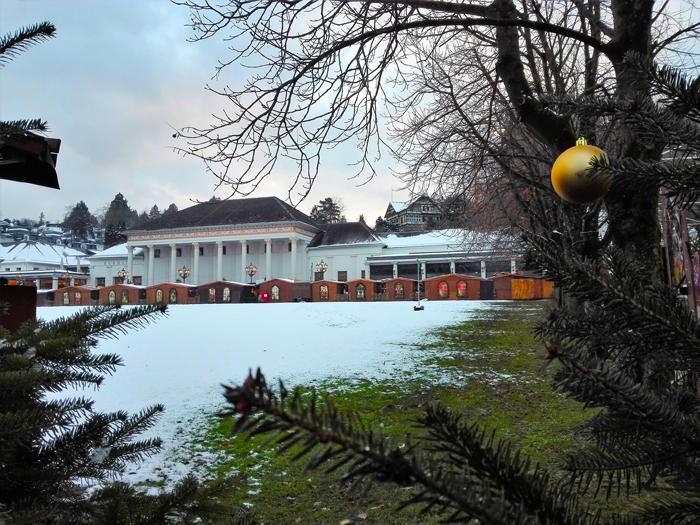 mercado-del-nino-cristo-donviajon-baden-baden-artesanias-decoraciones-adornos-compras-de-navidad-turismo-cultural-alemania-selva-negra
