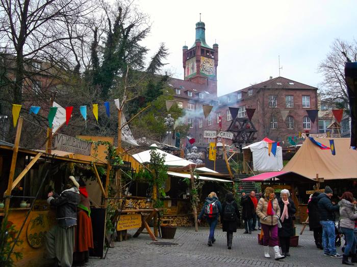mercado-medieval-de-navidad-donviajon-Pforzhiem-ambiente-familiar-turismo-cultural-compras-navidenas-alemania