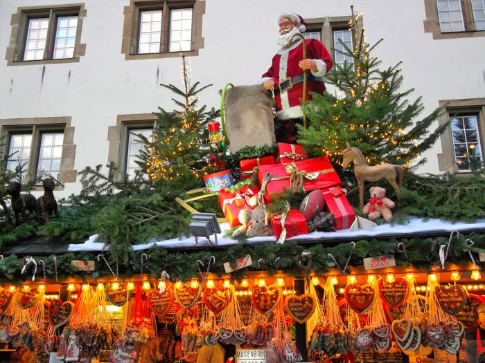 mercados-de-adviento-donviajon-Ulm-adornos-decoraciones-artesanias-compras-de-navidad-turismo-cultural-alemania