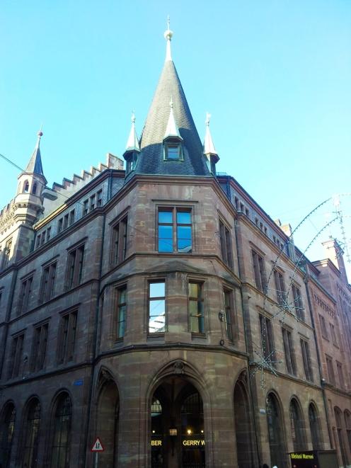 Basilea-arquitectura-urbana-donviajon-turismo-cultural-basilea-suiza