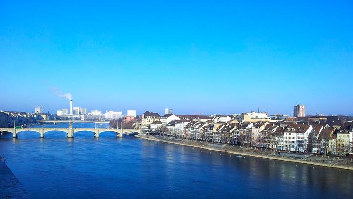 Basilea-puente-medieval-sobre-el-rio-rin-donviajon-viajando-con-pasion-turismo-suiza