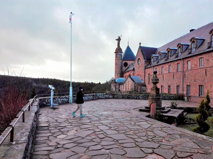 el-monte-de-santa-odilia-donviajon-mirador-de-los-vosgos-en-alsacia-francia