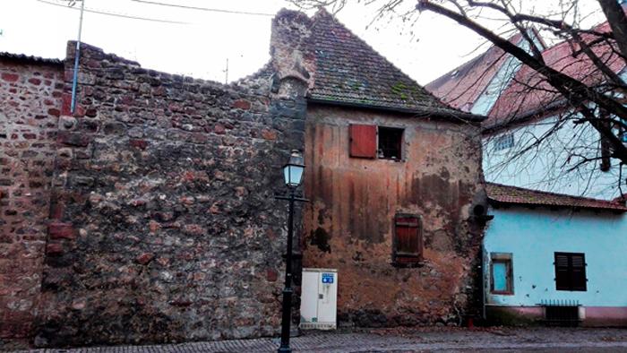 Obernai-casas-antiguas-donviajon-arquitectura-medieval-turismo-bajo-rin-alsacia-francia